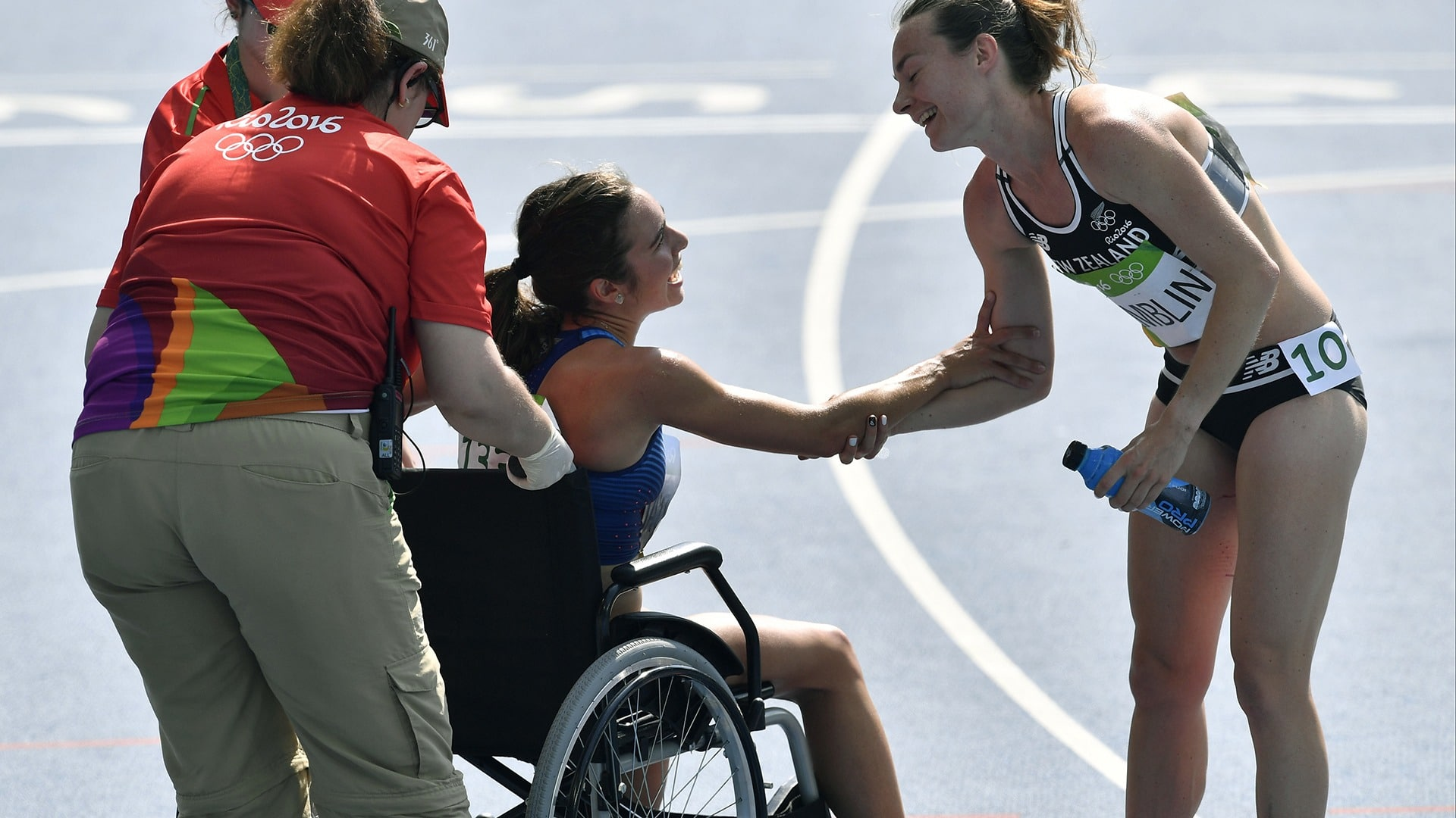 Abbey Cooper and Nikki Hamblin console each other after the race