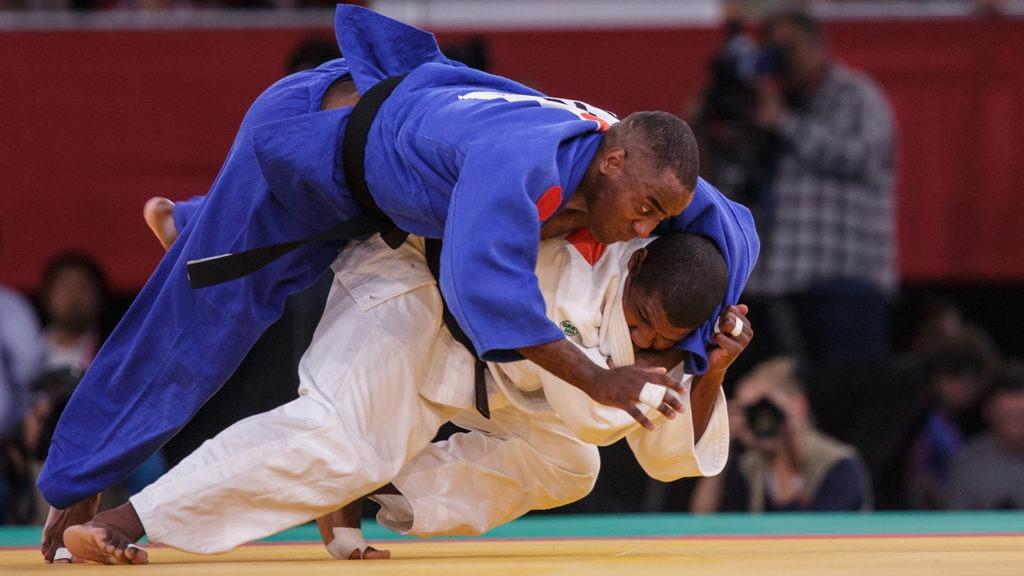 Dartanyon Crockett executes a move during the London 2012 Paralympic Games